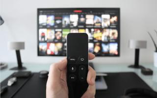 Как подключить наушники к телевизору